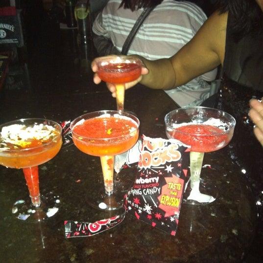Foto tomada en Raven Lounge por Meghan D. el 11/11/2012