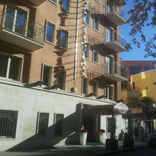 Foto tirada no(a) Hotel delle Province por Stefano D. em 12/19/2012