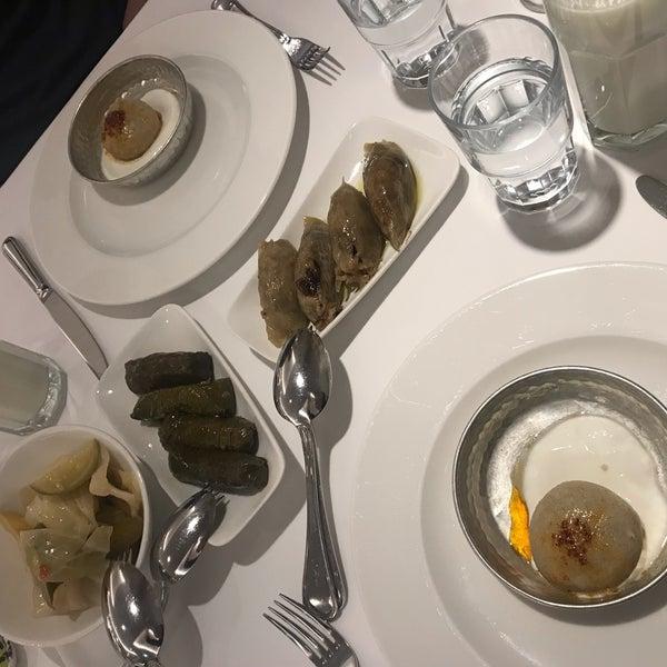 Foto tirada no(a) Seraf Restaurant por Mira G. em 2/18/2019