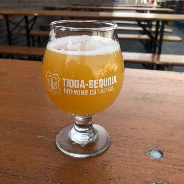 3/6/2020 tarihinde isaac g.ziyaretçi tarafından Tioga-Sequoia Brewing Company'de çekilen fotoğraf