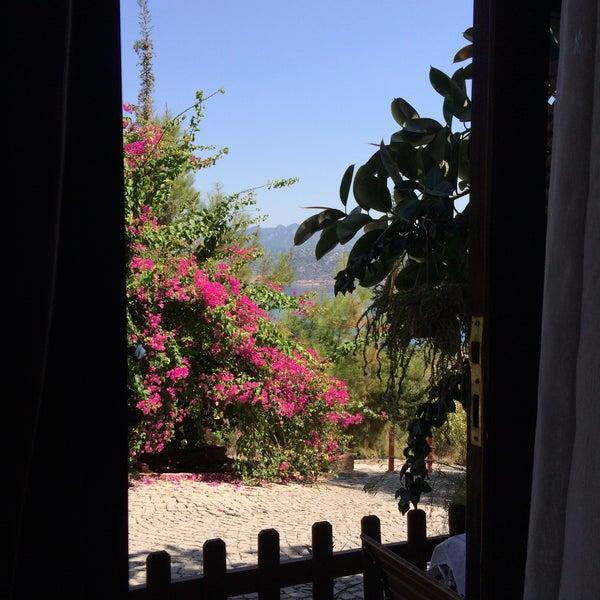 รูปภาพถ่ายที่ Loca Hotel โดย Medine M. เมื่อ 9/15/2017