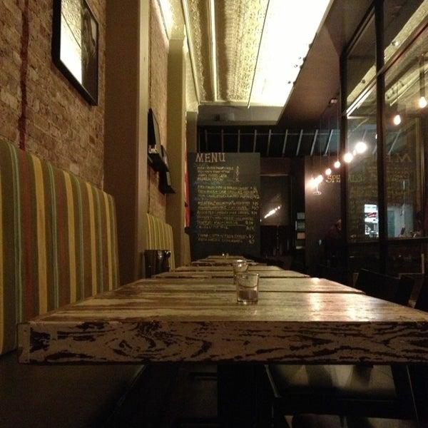 1/14/2013にChristopher H.がMaslow 6 Wine Bar and Shopで撮った写真