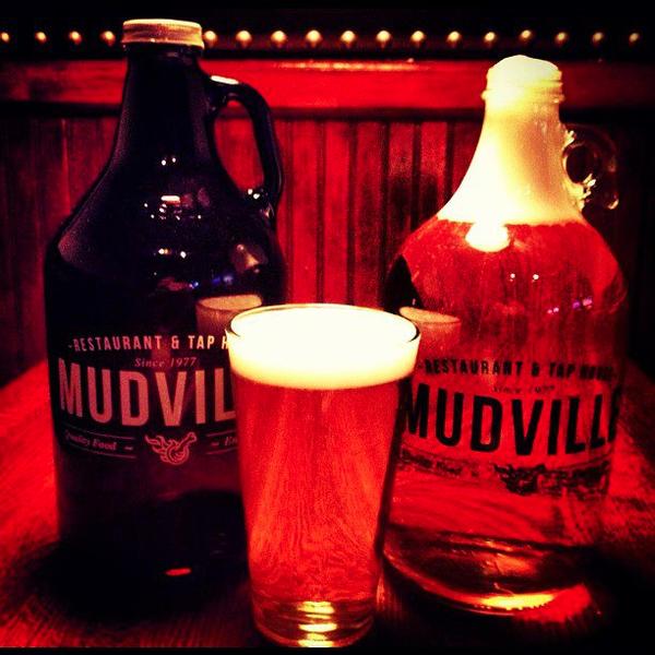 Photo prise au Mudville Restaurant & Tap House par Mudville Restaurant & Tap House le7/8/2015