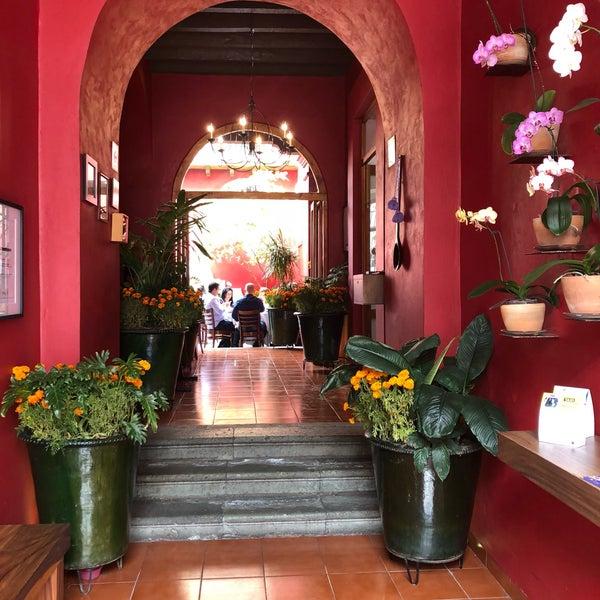 Foto tomada en Catedral Restaurante & Bar por Delfi S. el 10/28/2018