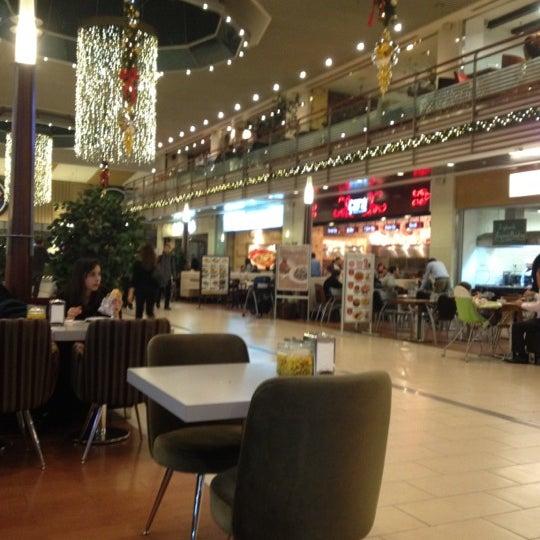Das Foto wurde bei Cepa von ali kemal p. am 12/25/2012 aufgenommen