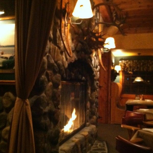 Das Foto wurde bei Timbers Inn Restaurant & Tavern von Taresa R. am 1/5/2013 aufgenommen