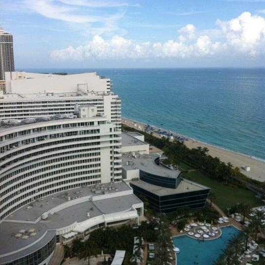 Photo prise au Fontainebleau Miami Beach par Kara Ann B. le12/9/2012
