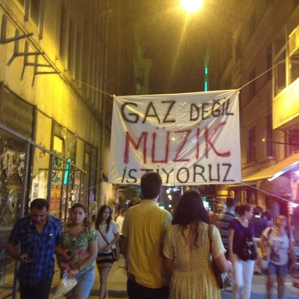 Foto diambil di Mask Live Music Club oleh Selen Ş. pada 7/19/2013