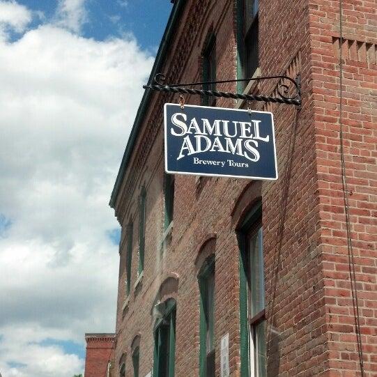 Photo prise au Samuel Adams Brewery par Anthony J. le6/9/2013