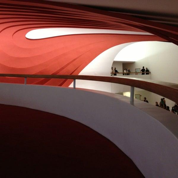 3/2/2013에 Ciro L.님이 Auditório Ibirapuera Oscar Niemeyer에서 찍은 사진