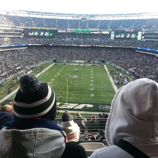 รูปภาพถ่ายที่ MetLife Stadium โดย Tyson G. เมื่อ 12/23/2012