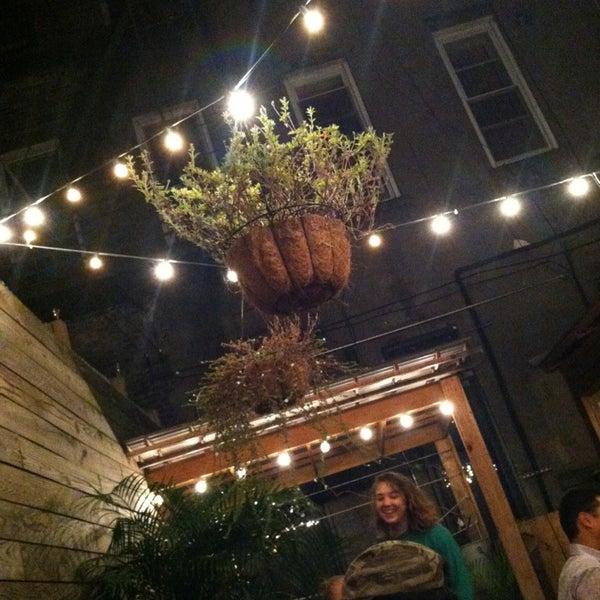 9/14/2013にRyann T.がTrophy Barで撮った写真
