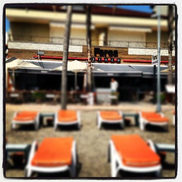 Das Foto wurde bei Vamos Beach von Faros B. am 4/18/2013 aufgenommen