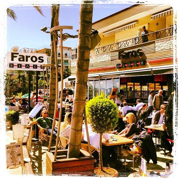 รูปภาพถ่ายที่ Vamos Beach โดย Faros B. เมื่อ 3/24/2013