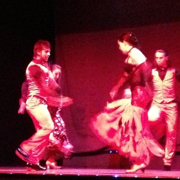 Das Foto wurde bei Palacio del Flamenco von Atilla Y. am 12/30/2012 aufgenommen