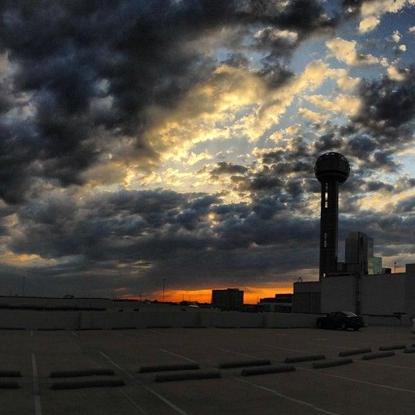 4/25/2013にDoug B.がReunion Towerで撮った写真