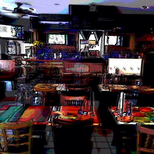 Foto diambil di Ottomanelli's Wine & Burger Bar oleh Marc S. pada 3/29/2015