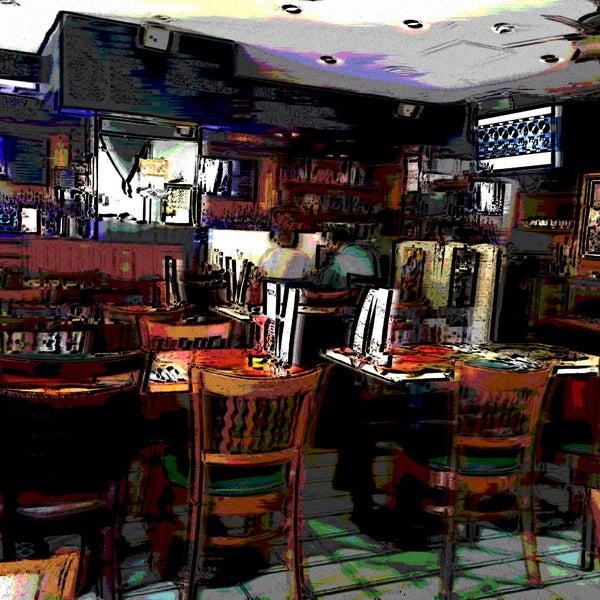Foto diambil di Ottomanelli's Wine & Burger Bar oleh Marc S. pada 5/15/2015