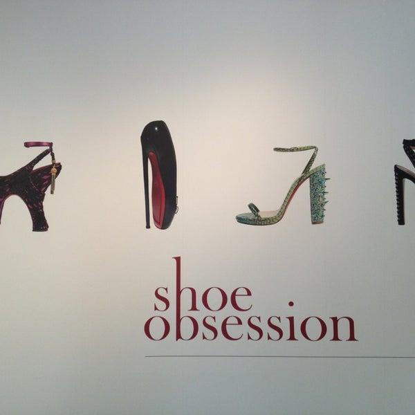 รูปภาพถ่ายที่ Museum at the Fashion Institute of Technology (FIT) โดย Jessica S. เมื่อ 4/6/2013