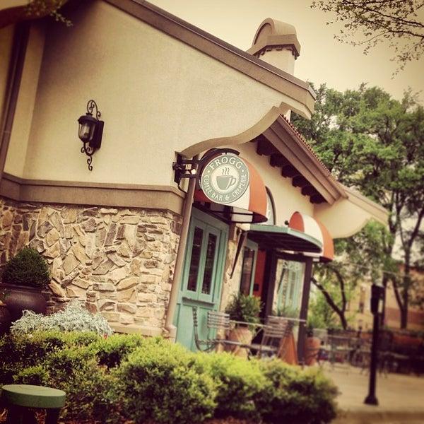 4/22/2013にFrogg CoffeeがFrogg Coffee Bar and Creperieで撮った写真