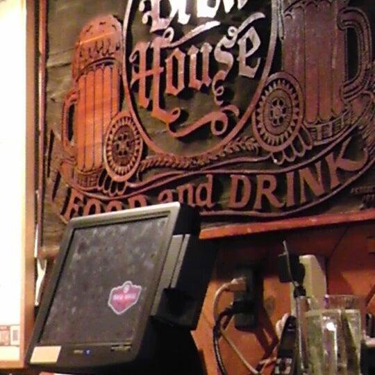 Снимок сделан в Brew House пользователем Steve R. 11/9/2013