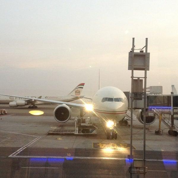 Photo prise au Abu Dhabi International Airport (AUH) par Romain G. le1/29/2013