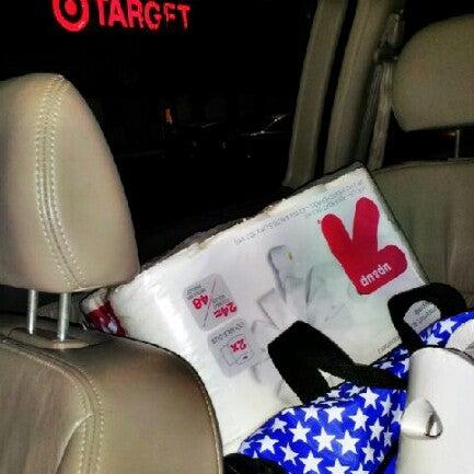Снимок сделан в Target пользователем Janet C. 10/13/2012