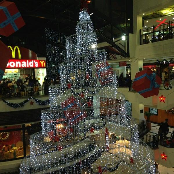 Foto diambil di Atlantis Plaza oleh JuanKi D. pada 12/22/2012