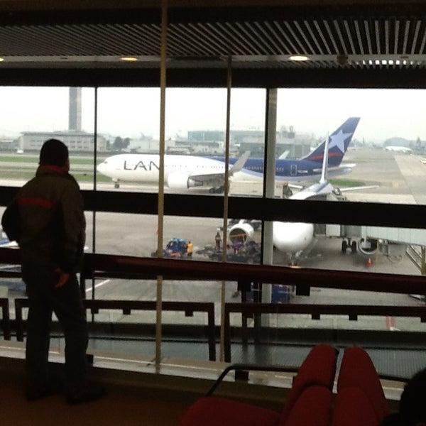 Photo prise au Aeropuerto Internacional Comodoro Arturo Merino Benítez (SCL) par A.J. M. le7/20/2013