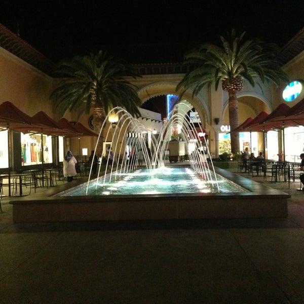 Снимок сделан в Irvine Spectrum Center пользователем Abdulaziz A. 6/11/2013