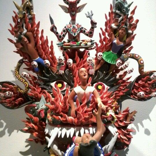 Снимок сделан в Museo de Arte Popular пользователем Maleny V. 12/21/2012
