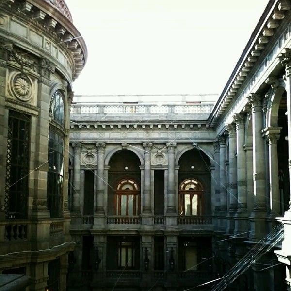 12/19/2012 tarihinde Maleny V.ziyaretçi tarafından Museo Nacional de Arte (MUNAL)'de çekilen fotoğraf
