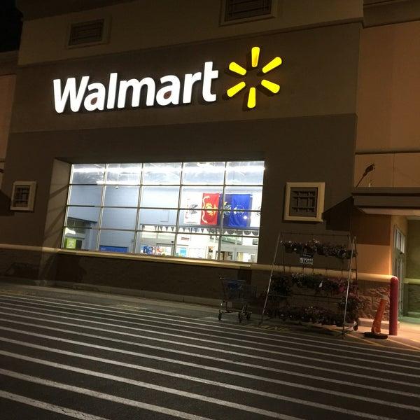 5/28/2016 tarihinde Teesha F.ziyaretçi tarafından Walmart'de çekilen fotoğraf