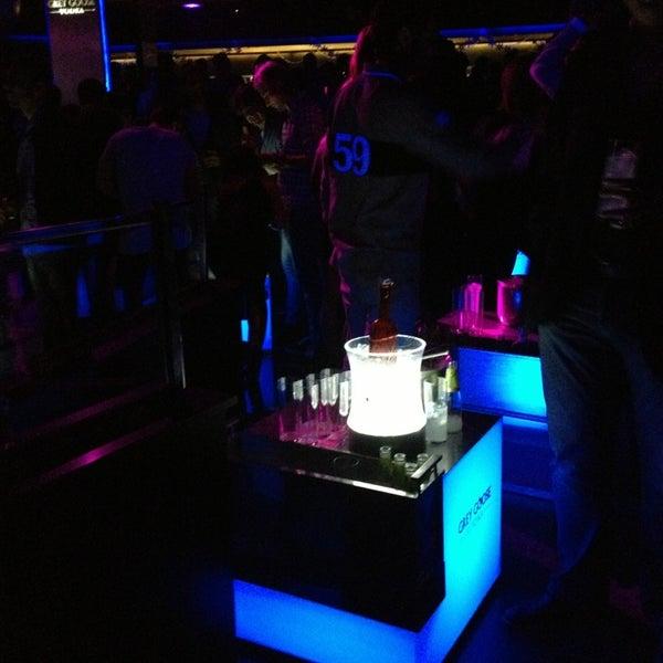 Das Foto wurde bei The Sutton Club von Светочек am 12/31/2012 aufgenommen