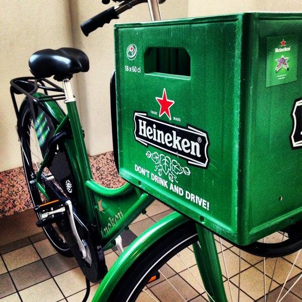 Das Foto wurde bei Heineken Experience von Anil am 3/8/2013 aufgenommen