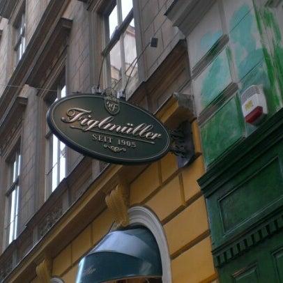 12/28/2012 tarihinde Anastasiya G.ziyaretçi tarafından Figlmüller'de çekilen fotoğraf