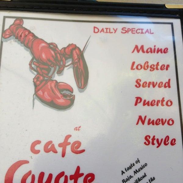รูปภาพถ่ายที่ Cafe Coyote โดย Juan C. เมื่อ 12/28/2012