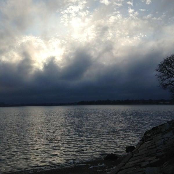 1/13/2013 tarihinde Alex F.ziyaretçi tarafından Castle Island'de çekilen fotoğraf