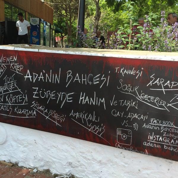 Foto tirada no(a) Adanın Bahçesi Zübeyde Hanım por Ayşe O. em 5/16/2015
