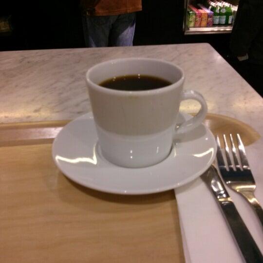 cafe leaf kista