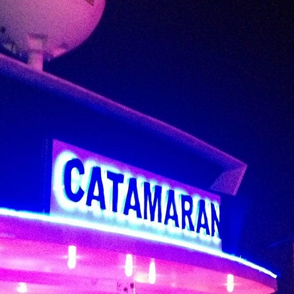 6/14/2013 tarihinde Ceren Onur T.ziyaretçi tarafından Club Catamaran'de çekilen fotoğraf