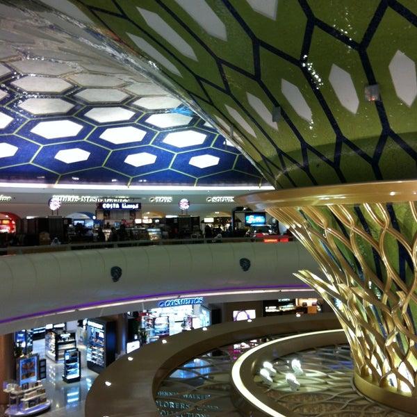 Photo prise au Abu Dhabi International Airport (AUH) par Alaaddin M. le5/3/2013