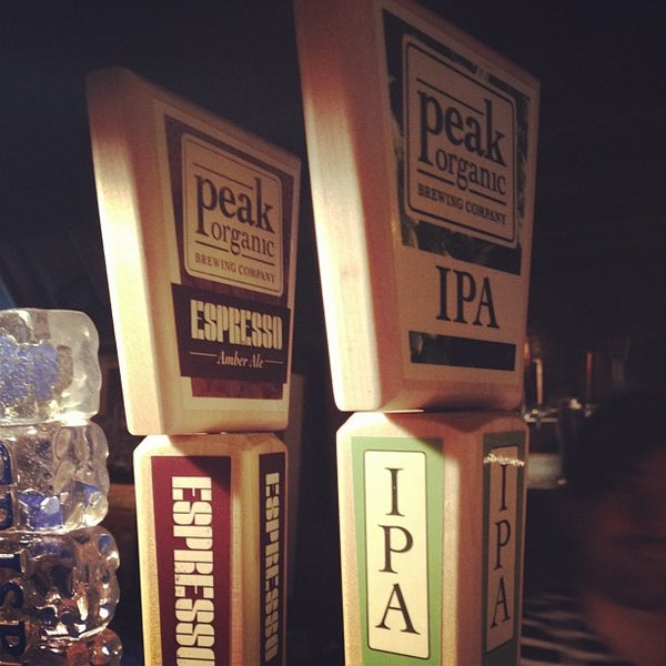 4/26/2013에 Zach Peak P.님이 Alphabet City Beer Co.에서 찍은 사진