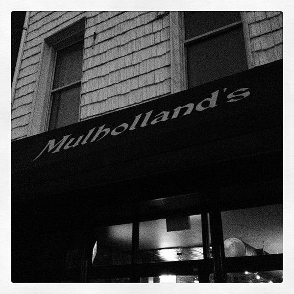 Das Foto wurde bei Mulholland's von Zach Peak P. am 11/4/2012 aufgenommen