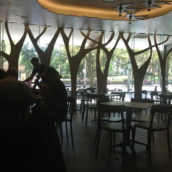 Foto tomada en The Canopy at Hyde por Mau M. el 2/10/2013