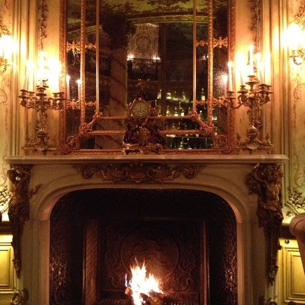 1/31/2013 tarihinde Natalya Z.ziyaretçi tarafından Turandot'de çekilen fotoğraf