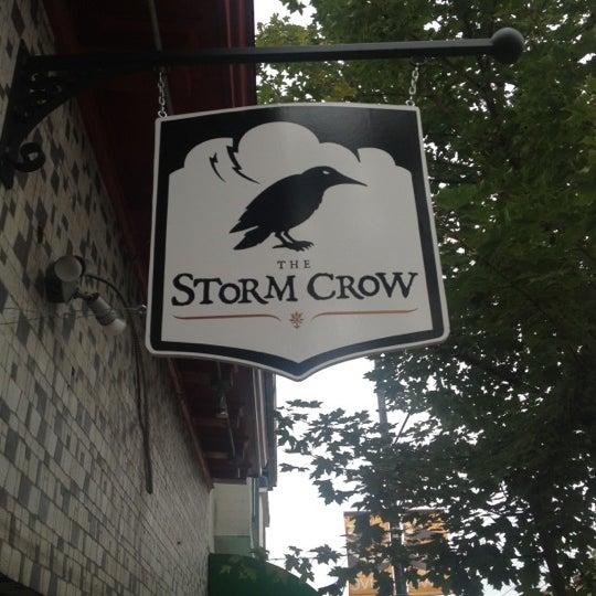 9/22/2012 tarihinde Michael M.ziyaretçi tarafından Storm Crow Tavern'de çekilen fotoğraf