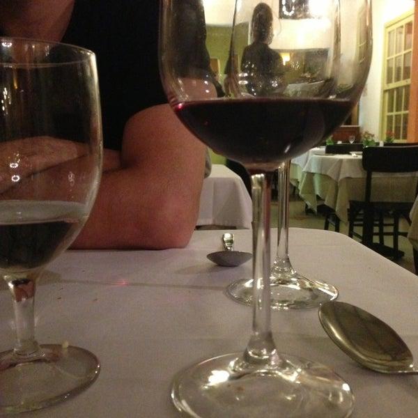 Foto tirada no(a) Zeffiro Restaurante por Cibele N. em 3/18/2013