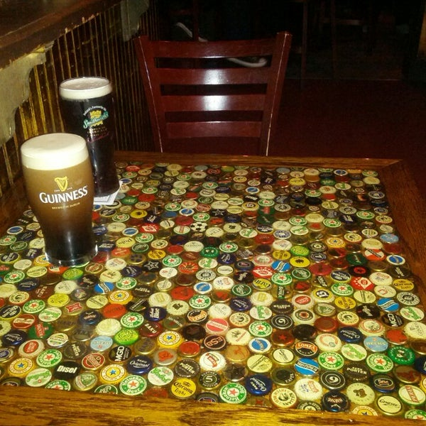 Foto tirada no(a) Tigin Irish Pub por Vladimir K. em 4/20/2013