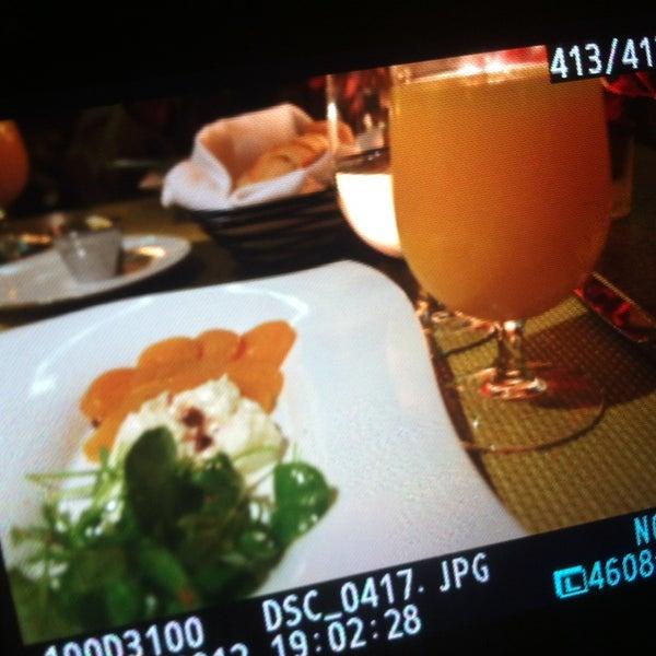 Снимок сделан в La Valencia Hotel пользователем M A Y . 12/29/2012